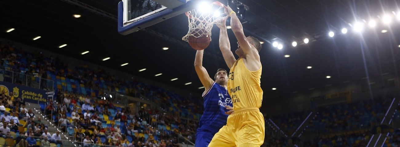 Anadolu Efes bulks up with All-Eurocup center Omic