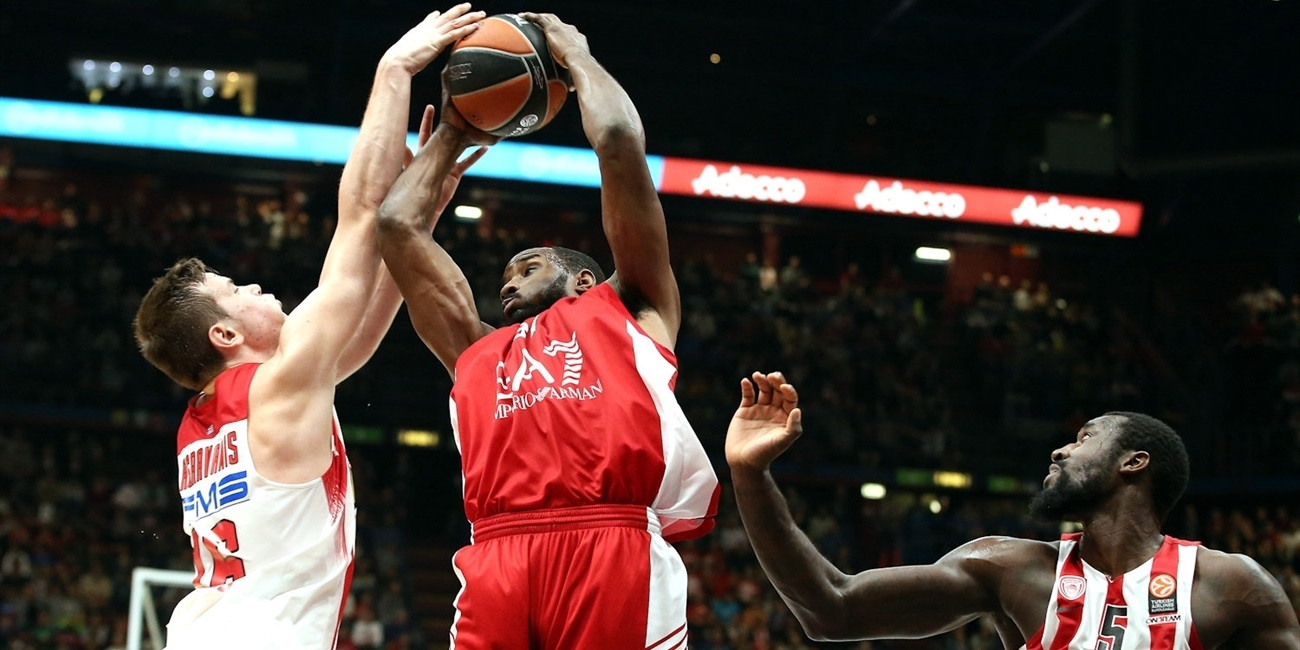 Cantu turns to Lawal to protect the paint