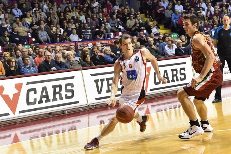 Anthony Lambot - Proximus Spirou Charleroi - EC15 (photo Reyer Venice)