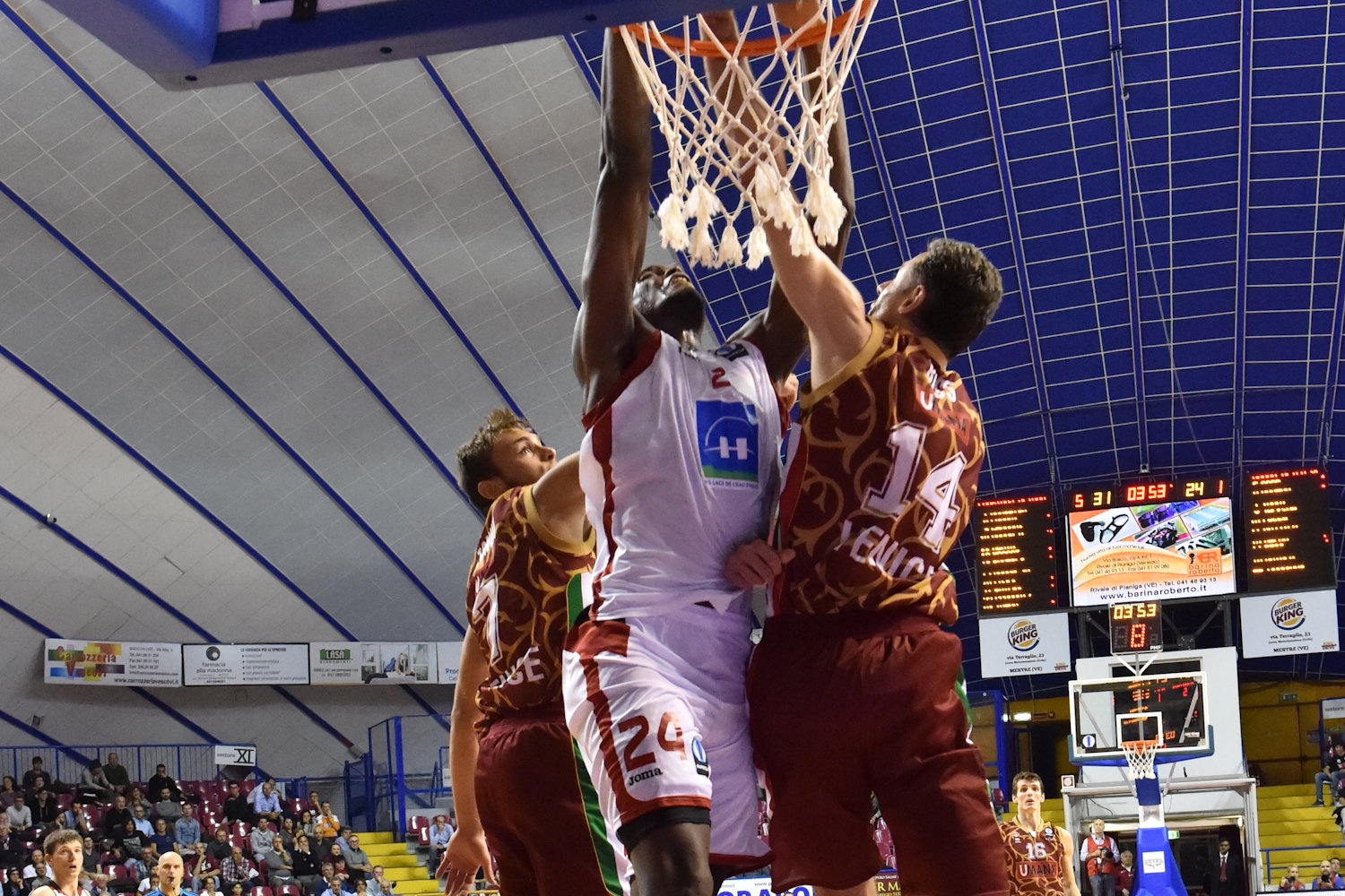 Kevin Tumba - Proximus Spirou Charleroi - EC15 (photo Reyer Venice)