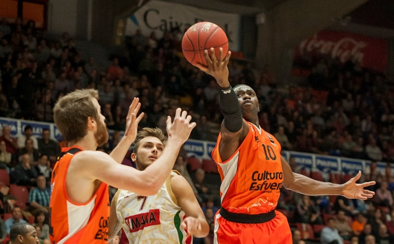 Romain Sato - Valencia Basket - EC15 (photo Valencia - Isaac Ferrera)