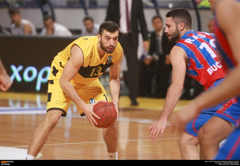 Theodoros Zaras - Aris Thessaloniki - EC15 (photo AEK - megapress)