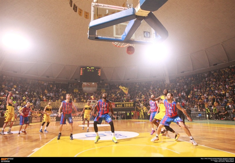 Chris Cooper - Steaua CSM Eximbank Bucharest - EC15 (photo AEK - megapress)