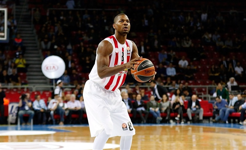 DJ Strawberry - Olympiacos Piraeus - EB15