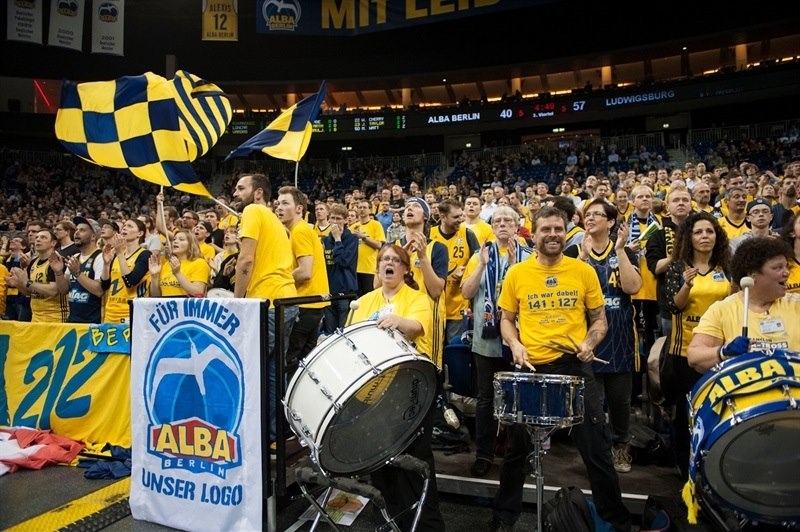 Fans - ALBA Berlin - EC15 (photo Patrick Albertini)