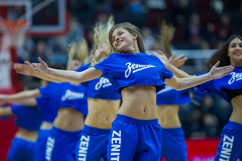 Cheerleaders - Zenit St Petersburg - EC15 (photo Zenit)