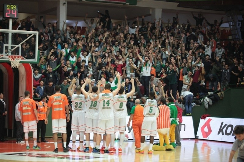 Fans - Banvit Bandirma celebrates - EC15 (photo Banvit)