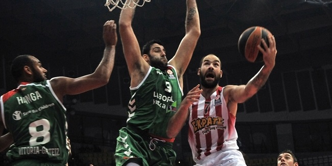 Olympiacos tops Laboral and punches Top 16 ticket