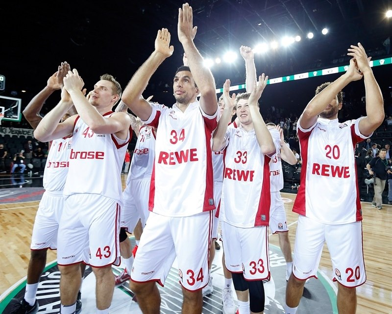 Brose Baskets Bamberg celebrates - EB15