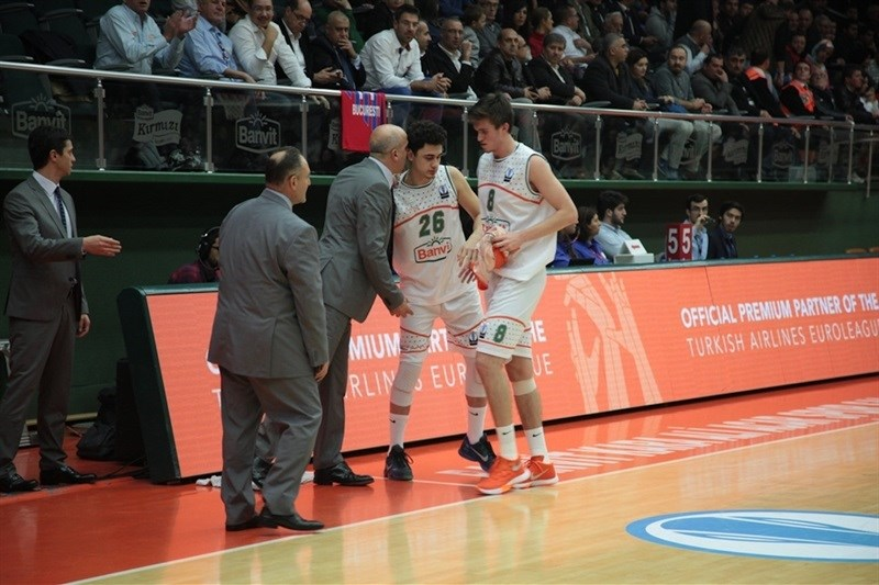 Selcuk Ernak with Yilmaz and Gecim - Banvit Bandirma - EC15 (photo Banvit)