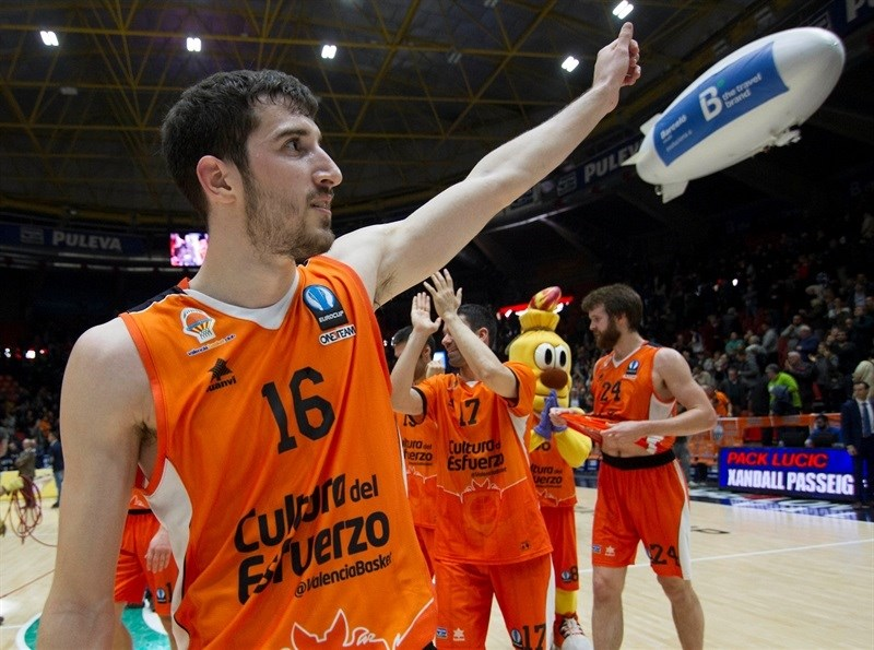 Guillem Vives celebrates - Valencia Basket - EC15 (photo Valencia - Miguel Angel Polo)
