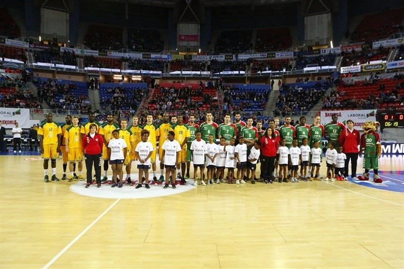 One Team - Laboral Kutxa Vitoria vs. Limoges CSP - EB15