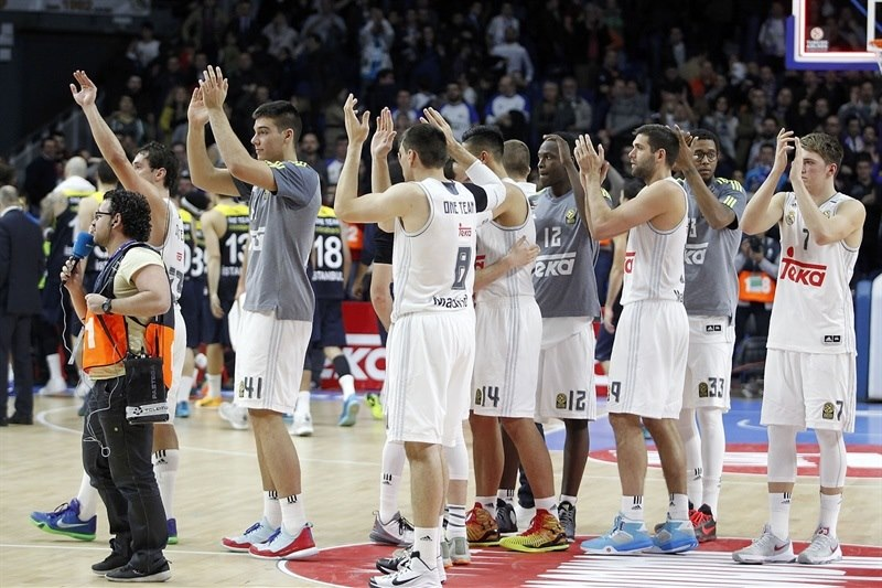 Real Madrid celebrates - EB15