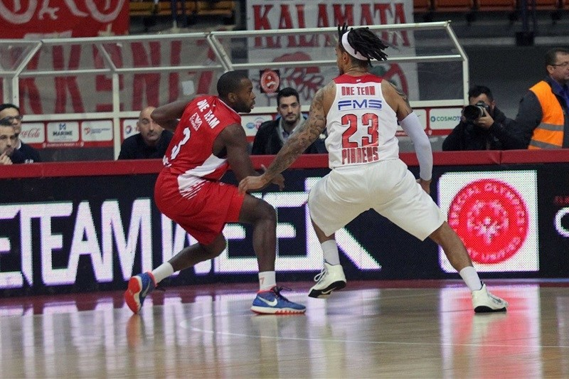 One Team - Oliver Lafayette and Daniel Hackett - Olympiacos Piraeus vs. EA7 Emporio Armani Milan - EB15