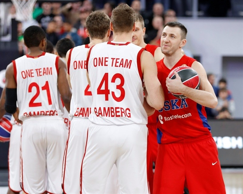 One Team - Vitaly Fridzon - Brose Baskets Bamberg vs. CSKA Moscow - EB15