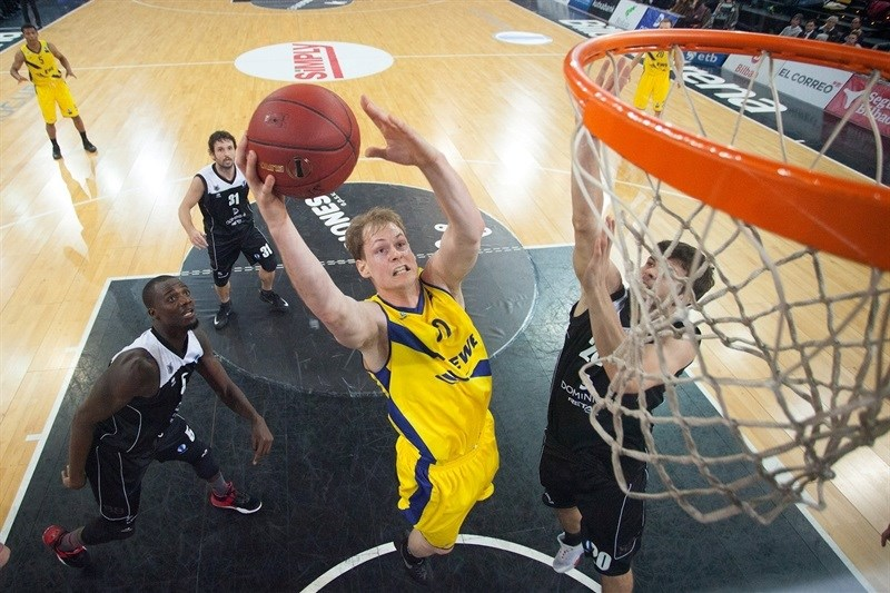 Robin Smeulders - EWE Baskets Oldenburg - EC15 (photo Bilbao Basket - Aitor Arrizabalaga)