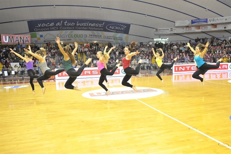 Dance - Umana Reyer Venice - EC15 (photo Reyer Venice)