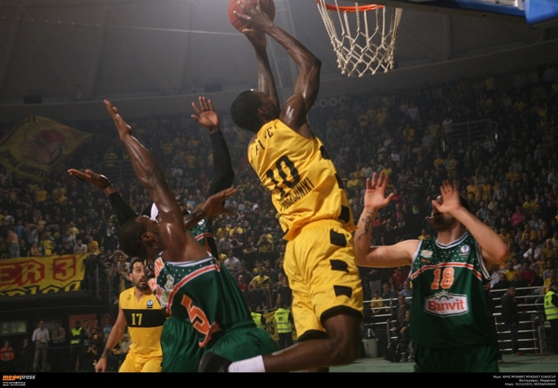 Okaro White - Aris Thessaloniki - EC15 (photo AEK - megapress)