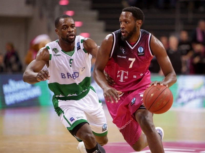 Jimmy McKinney - Telekom Baskets Bonn - EC15 (photo Telekom Bonn - Jörn Wolter)