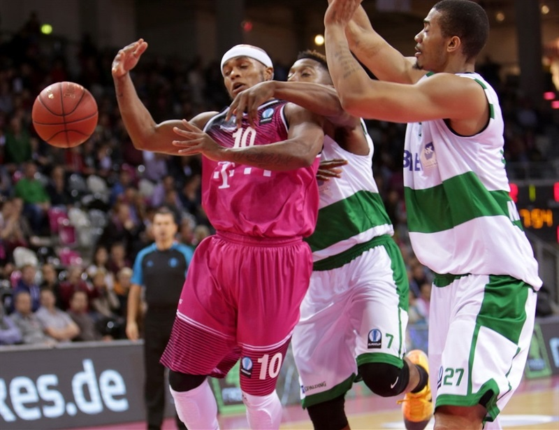 Eugene Lawrence - Telekom Baskets Bonn - EC15 (photo Telekom Bonn - Jörn Wolter)