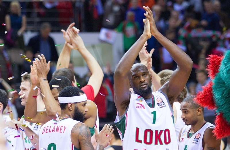 Chris Singleton - Lokomotiv Kuban Krasnodar celebrates - EB15