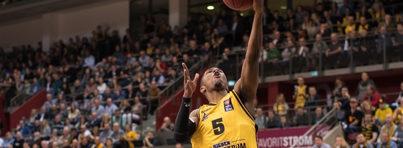 Ludwigsburg brings playmaker Johnson back