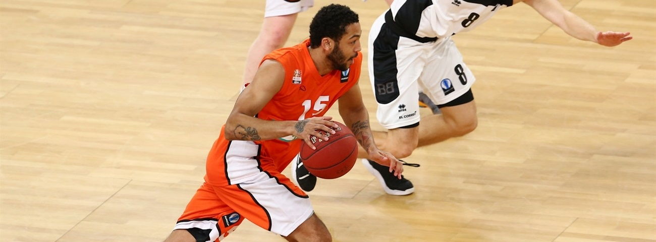 Tofas brings in combo guard Henry