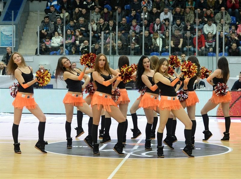 Cheerleaders - Nizhny Movgorod - EC15 (photo Nizhny Novgorod)