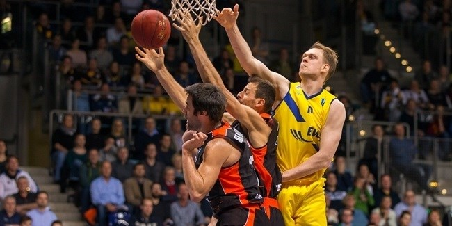 Last 32, Round 2: EWE Baskets Oldenburg vs. Valencia Basket