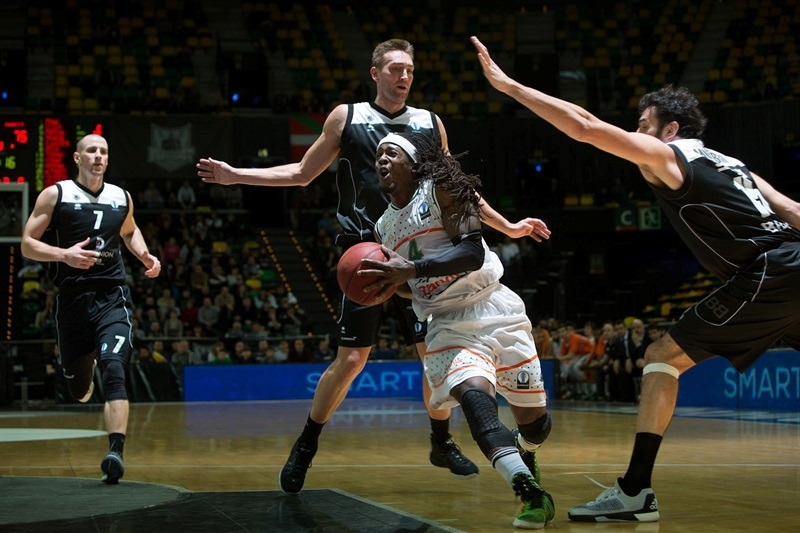 Courtney Fortson - Banvit Bandirma - EC15 (photo Bilbao Basket - Aitor Arrizabalaga)