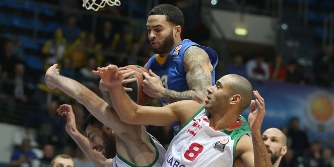 Khimki re-unites with Honeycutt