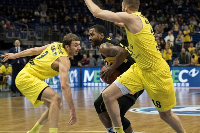 Jerel McNeal - Aris Thessaloniki - EC15 (photo Patrick Albertini)