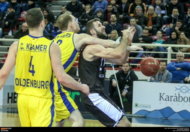 Robin Smeulders - EWE Baskets Oldenburg - EC15 (photo PAOK - megapress - pavlosmakridis)