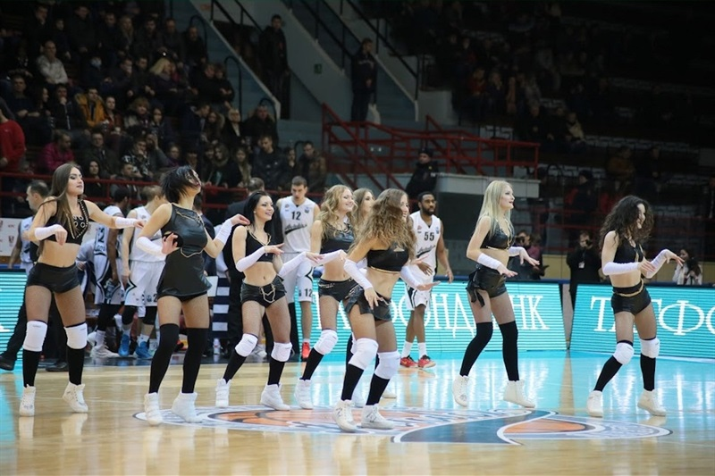 Cheerleaders - Avtodor Saratov - EC15 (photo Avtodor Saratov)