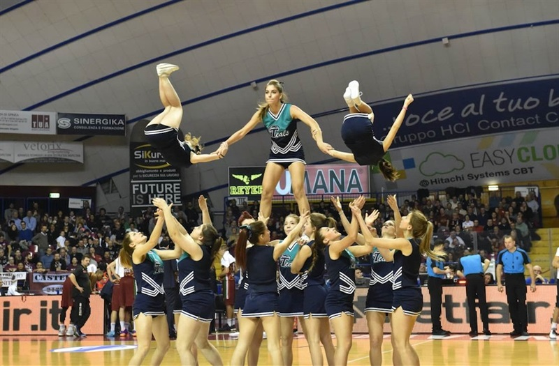 Cheerleaders - Umana Reyer Venice - EC15 (photo Reyer Venice)