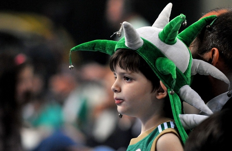 Young fan - Panathinaikos Athens - EB15