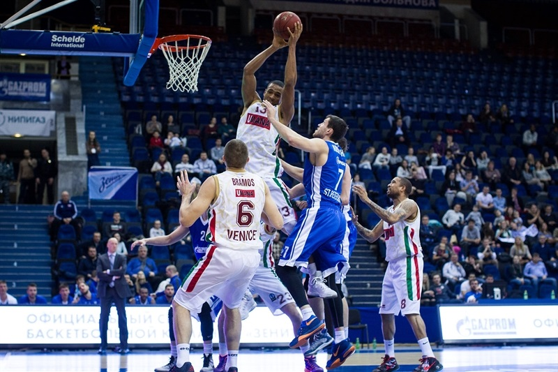 Josh Owens - Umana Reyer Venice - EC15 (photo Zenit)