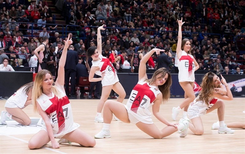 Cheerleaders - EA7 Emporio Armani Milan - EC15 (photo Photo Olimpia Milano-Ciamillo)