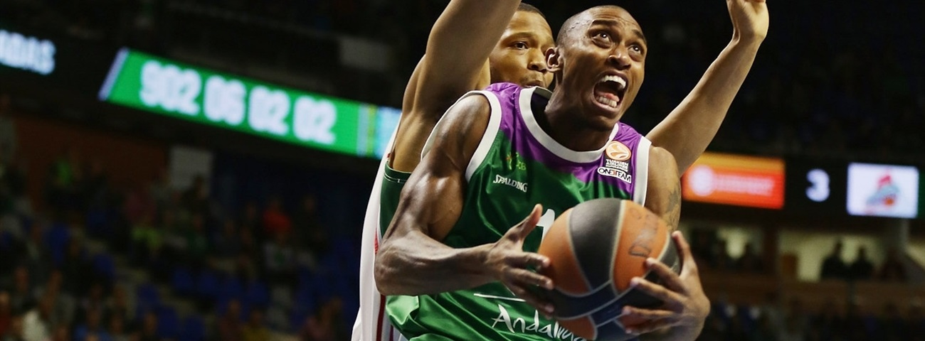 Unicaja re-signs scoring ace Smith