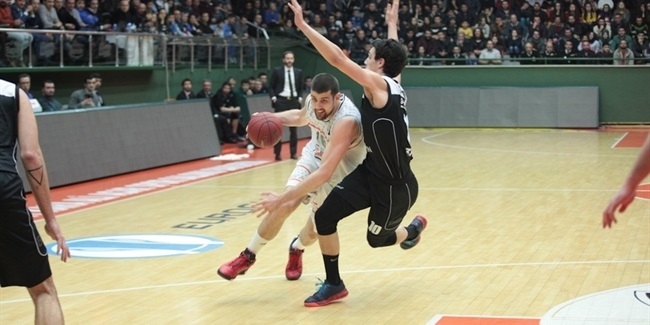 Darussafaka adds Eurocup's top rebounder, Moerman, to frontcourt