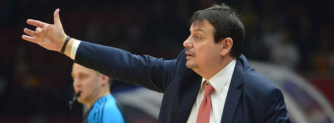 Efes reunites with Coach Ataman