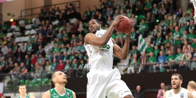 Unics keeps center Williams