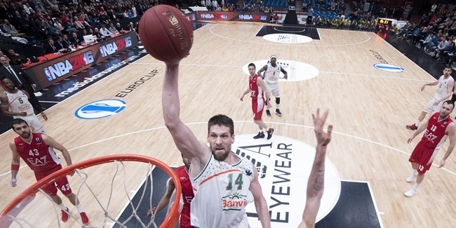 Reyer keeps Vidmar in the middle