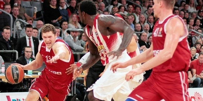 Top 16, Round 10: Brose Baskets Bamberg vs. Olympiacos Piraeus