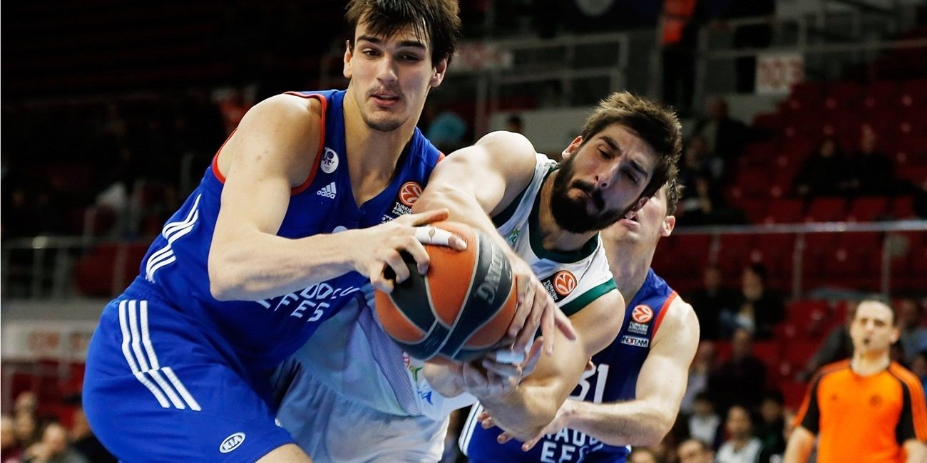 Top 16, Round 12 report: Anadolu Efes still alive after Heurtel stars in big win over Unicaja