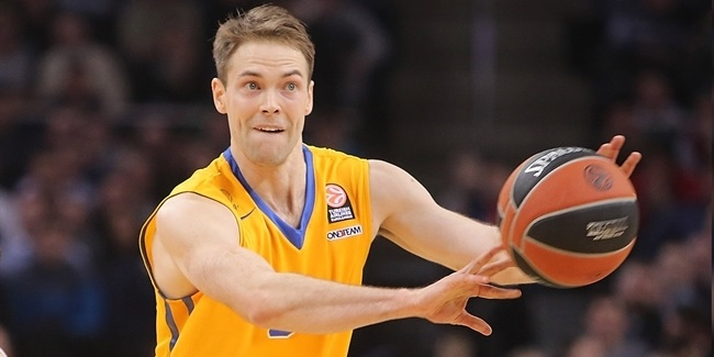 Barcelona pens Koponen to three-year deal
