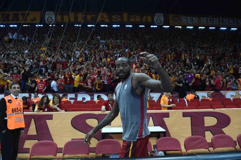 Stephane Lasme - Galatasaray Odeabank Istanbul in pregame - Eurocup Finals 2016 - EC15