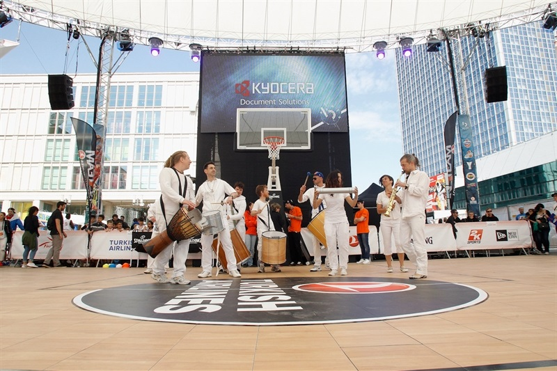 Batucada during the Turkish Airlines Euroleague Final Four Berlin 2016 One Team Legends Session and Exhibition Game - Final Four Berlin 2016 - EB15