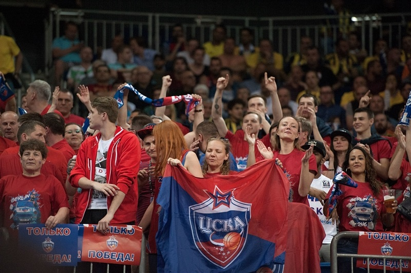 Fans - CSKA Moscow - Final Four Berlin 2016 - EB15