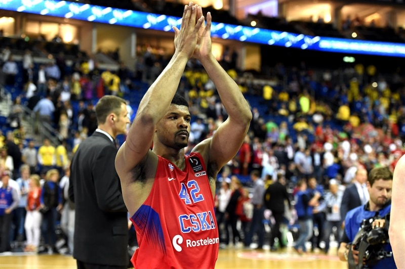 Kyle Hines celebrates - CSKA Moscow - Final Four Berlin 2016 - EB15